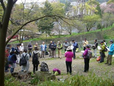 天上川公園でのミーティング.jpg